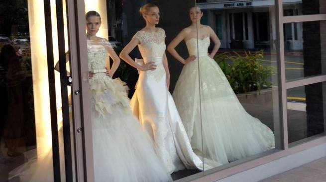 Ова лето ќе се памти: Свадбен валцер или венчаница во контејнер?