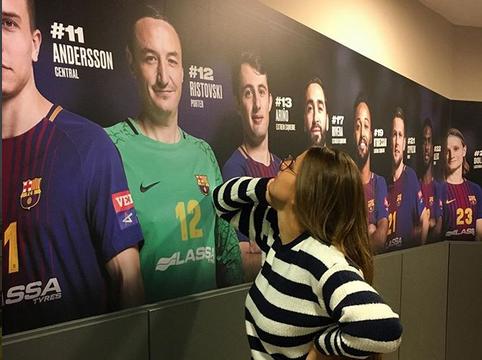 Креативна домаќинка: Нина се воодушеви од постерот на Борко, па за возврат реши да му покажа колку ја бива! (ФОТО)