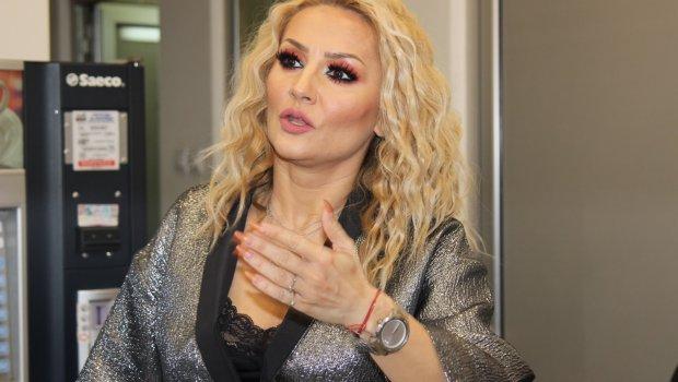 (ФОТО) Гоца Тржан покажа како изгледа без шминка: Разликата е драстична!