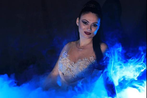 """Тања Јовановска ви ја подарува фолк баладата """"Дишам за нас"""" (ВИДЕО)"""