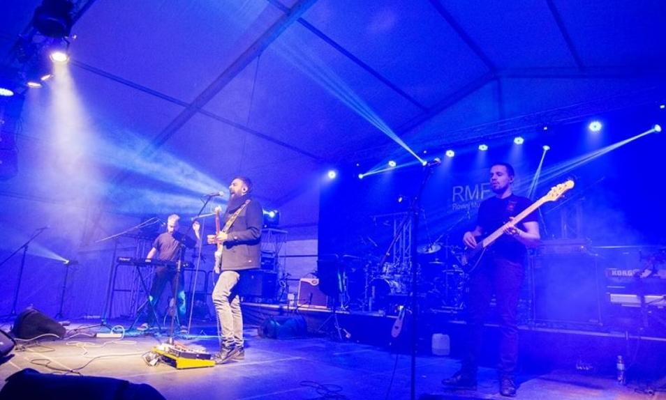 """Триумф на кумановскиот бенд """"КИ"""" на музичкиот фестивал во Ровињ"""