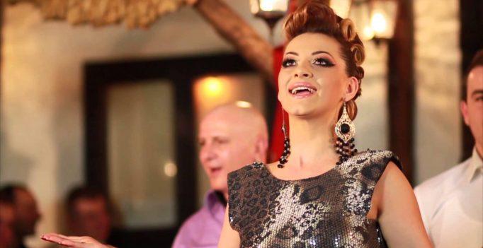 """Анета и """"Молика"""" ја нападнаа МРТ и жирито зашто тие годинава не заминале на Евровизија: Кој ли те тебе прелажа?"""