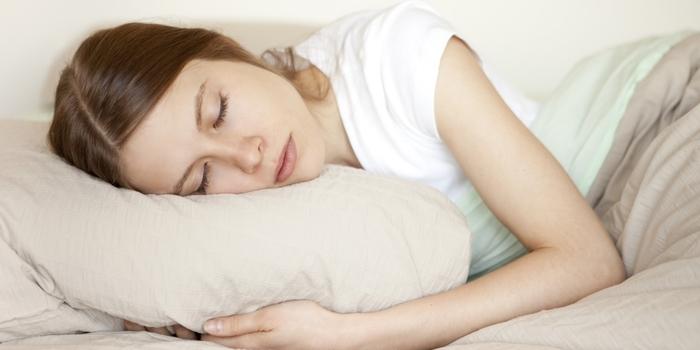 Внимавајте: Ова го правите секоја ноќ, а многу е опасно и предизвикува рак!