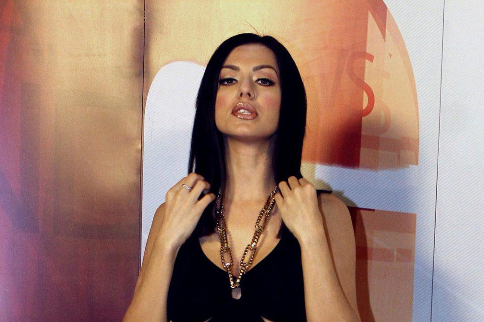 Кралица на лапсузот: Тања Савиќ повторно се избламира