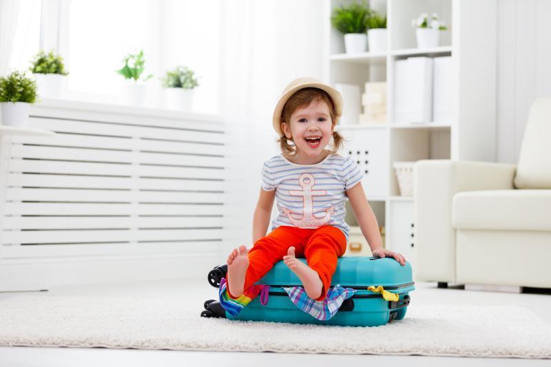 Што советуваат педагозите за безгрижно патување  на децата без родителите