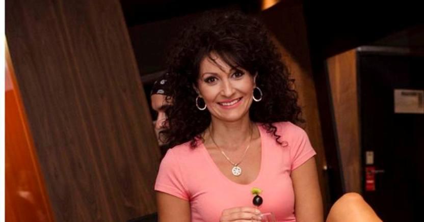 Порасна во вистинска убавица: Ќерката на Ирена Спировска блесна како матурантка! (ФОТО)