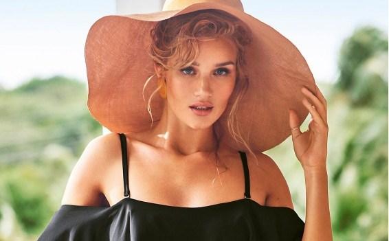 Летен хит: Погледнете ги новите костими за капење од Роузи Хантингтон-Вајтли