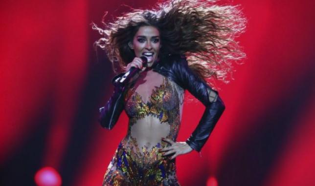 """""""Тигрицата од Кипар"""": Евовизиската претставничка изведе секси танц, а мажите """"паднаа во транс"""" (Видео)"""