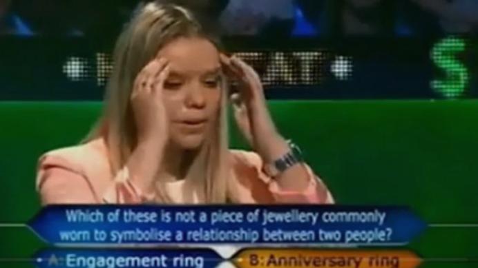 """Русокоса падна на првото прашање во""""Милионер"""": Самоуверено одговори, а потоа пропадна во земја од срам (ВИДЕО)"""