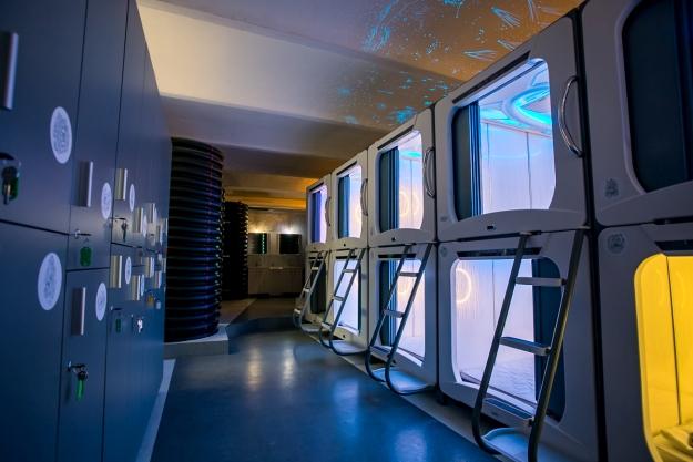 Гостите спијат во капсули, а се тушираат во канализациски цевки: Хостел во Загреб најдобар во Европа