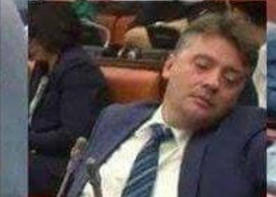 Спиеш ли мирно градоначалниче Шилегов?