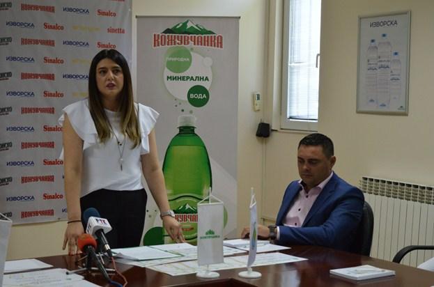"""Фондацијата """"Никола Јанчев"""" ги додели првите стипендии за ученици и студенти"""