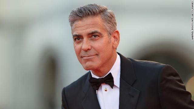 Среќа што е жив: Осамна страшна снимка од сообраќајката на Џорџ Клуни (ВИДЕО)