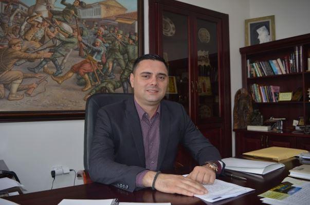 Митко Јанчев ја донира градоначалничката плата на студенти