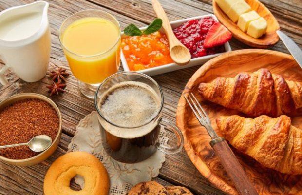 Зошто не треба да го прескокнувате појадокот?!