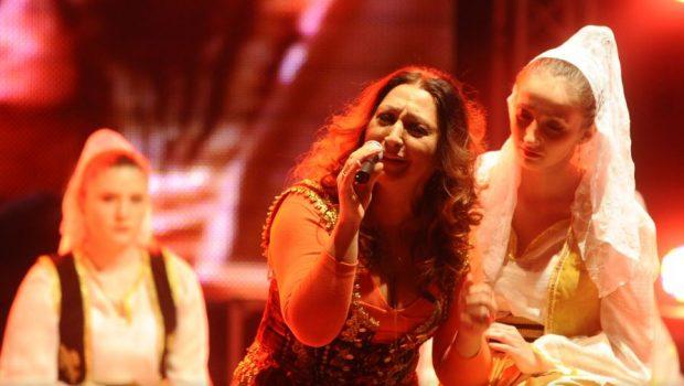 """""""Силви бенд"""" во Охрид со музичко-сценски перформанс за убавата Коштана!"""