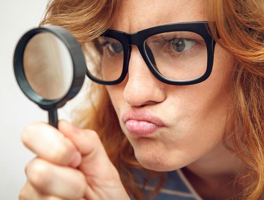 Совети за шминкање за дами со очила