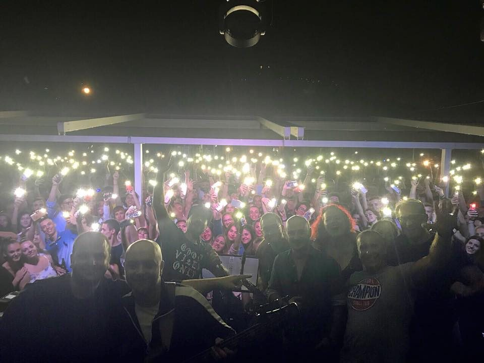 Панчо славеше роденден на концерт, а ДНК запеаја во чест на Влатко Илиевски (ВИДЕО)