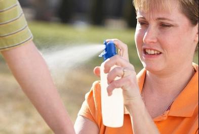 Направете сами спреј против комарци  на природна база