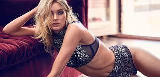 Убавицата од Victoria's Secret, Елза Хоск ви препорачува вежби за затегнати стомачни