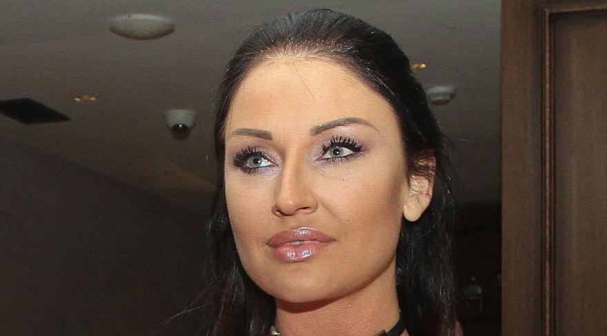 Сака да биде како Пријовиќ: Катарина Живковиќ сака да биде снаа на Лепа Брена