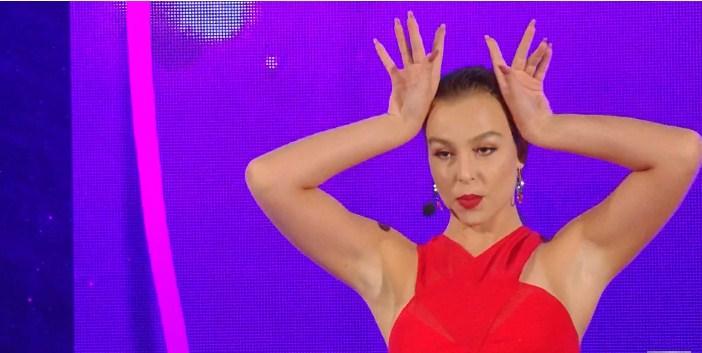 """Анастасија Аврамовска е нова тинејџ ѕвезда која веќе жнее награди со """"Ти си мојот херој"""" (ВИДЕО)"""