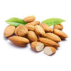 Бадемите се вкусни и здрави, но доволни се само 30 грама на ден