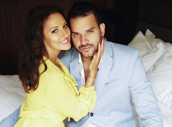 """Александра и Филип Живојиновиќ се фотографираа за насловна и открија: """"Сеќни сме дека чекаме син"""""""