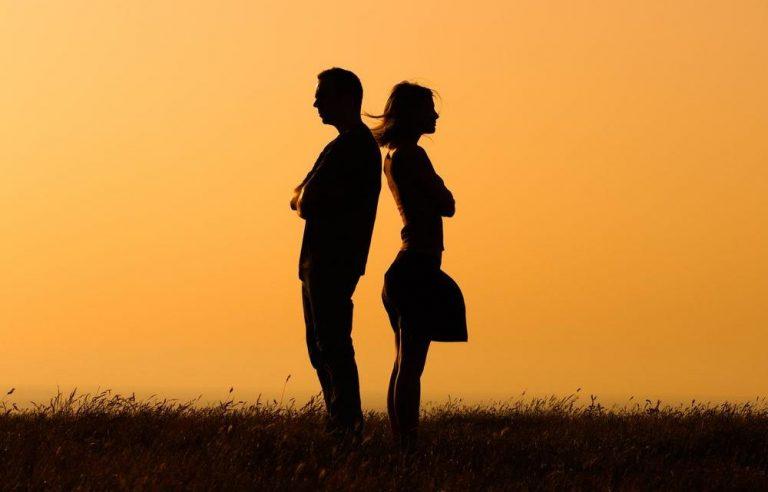 10 начини на кои вашите инстинкти ви кажуваат дека сте заглавени во лоша врска