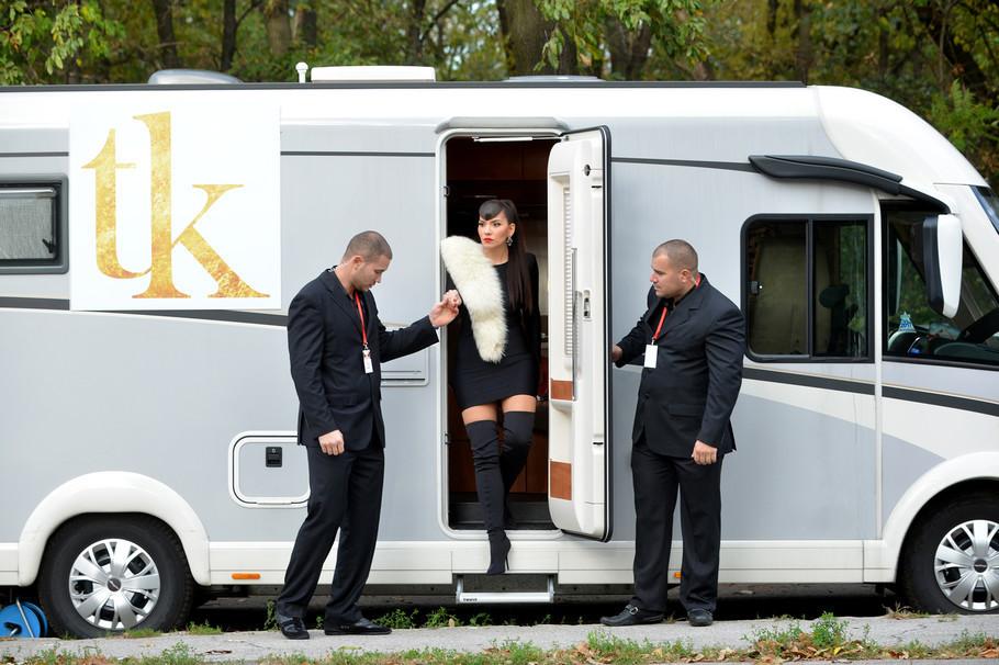 """Ова е истата таа Тијана Кадовиќ: Несудената """"Гранд ѕвезда"""" на снимање доаѓаше со трајлер, телохранители и свита стилисти, а сега не личи на себе (ФОТО)"""