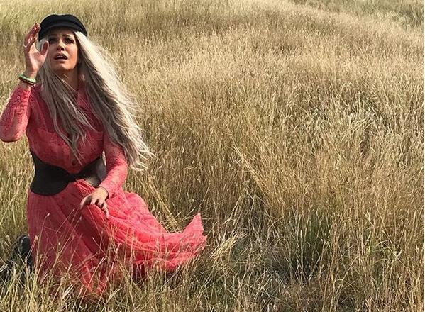 """Живеам да се вратам… Тијана ја промовираше српската верзија на """"Километри"""" (ВИДЕО)"""