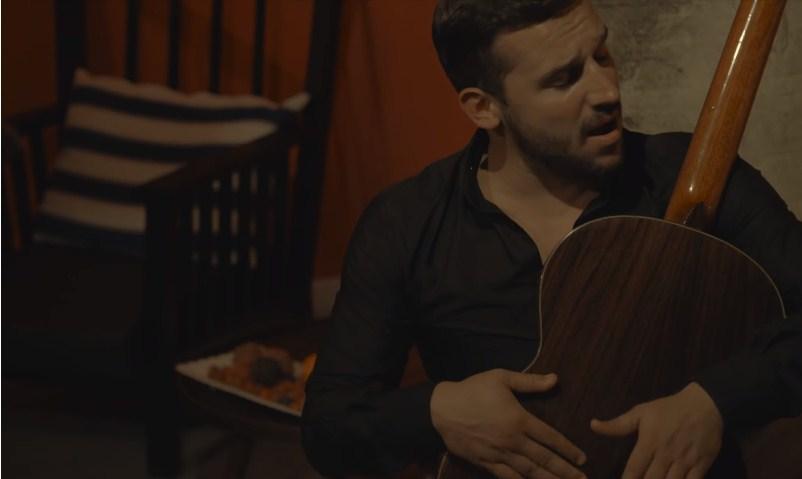 """Александар Тарабунов како латино љубовник во макфестовската """"Би те одбрал само тебе"""" (ВИДЕО)"""