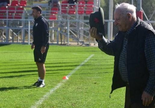 Андон Дончевски – првиот селектор на Македонија меѓу фудбалските репрезентативци: Шапката долу за чичко Дончо (ФОТО)