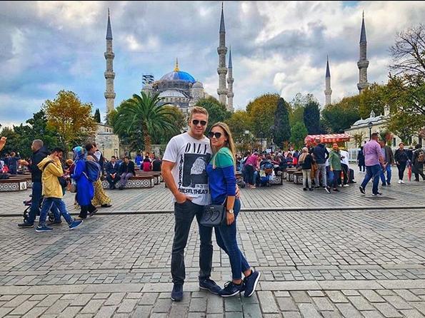 Дојде живот: Додека македонските граѓани стравуваат за иднината на своите деца, децата на Заеви уживаат по светот! (ФОТО)