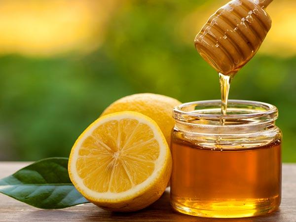 Каква моќ има магичната комбинација на мед и лимон