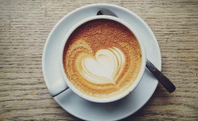 Љубителите на кафе се подобри во кревет!