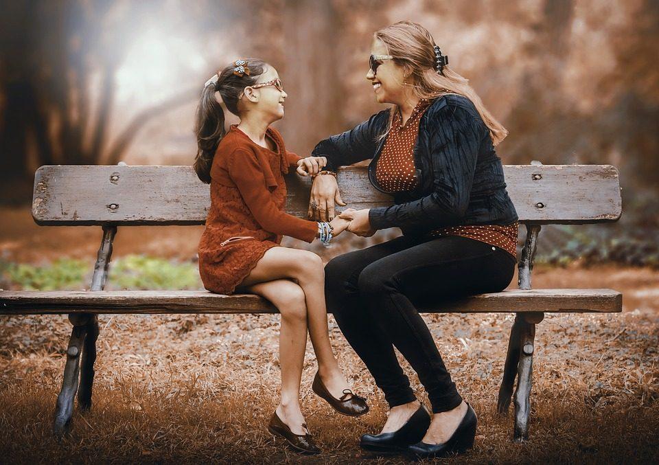 Безвременски фрази кои сите ги слушаме од нашите мајки