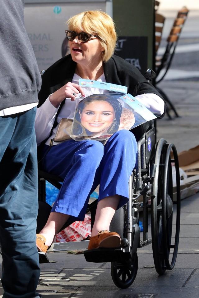 Саманта Маркел се појави пред портите на нејзината сестра Меган