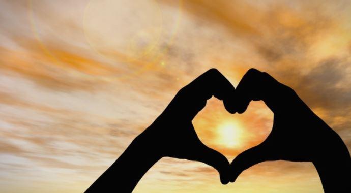 Симптоми кои откриваат дека сте заљубени