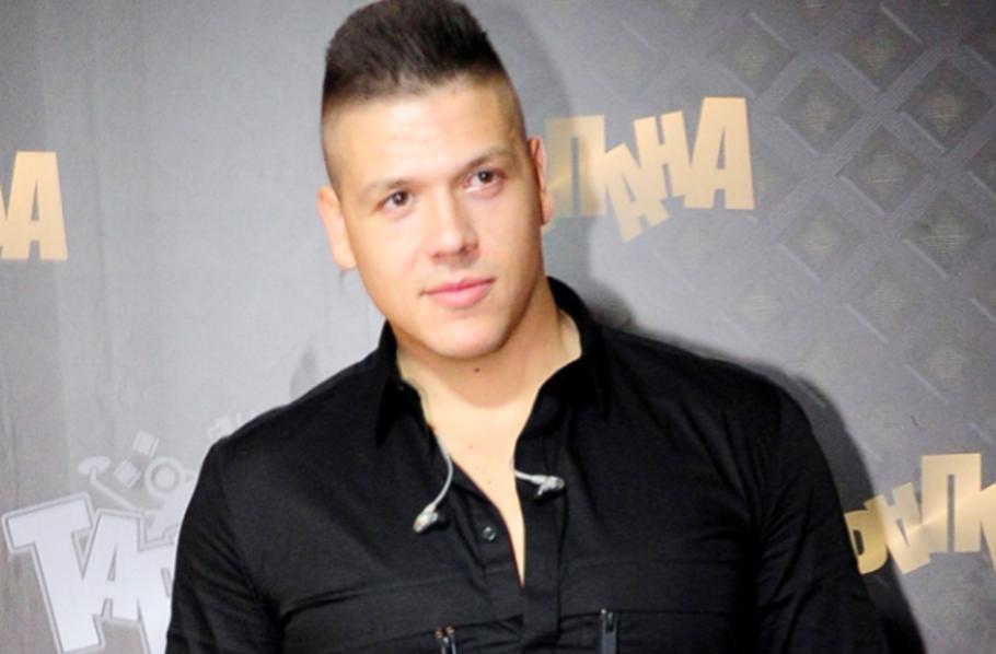 Слоба Радановиќ запроси позната пејачка среде емисија
