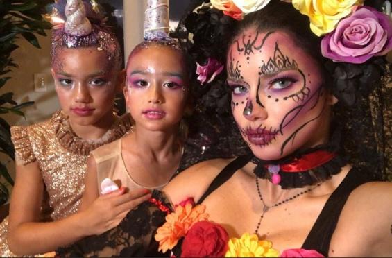 Адријана Лима, Бела Хадид, Џесика Алба, Ријана… маските на славните за Халоувин (фото)