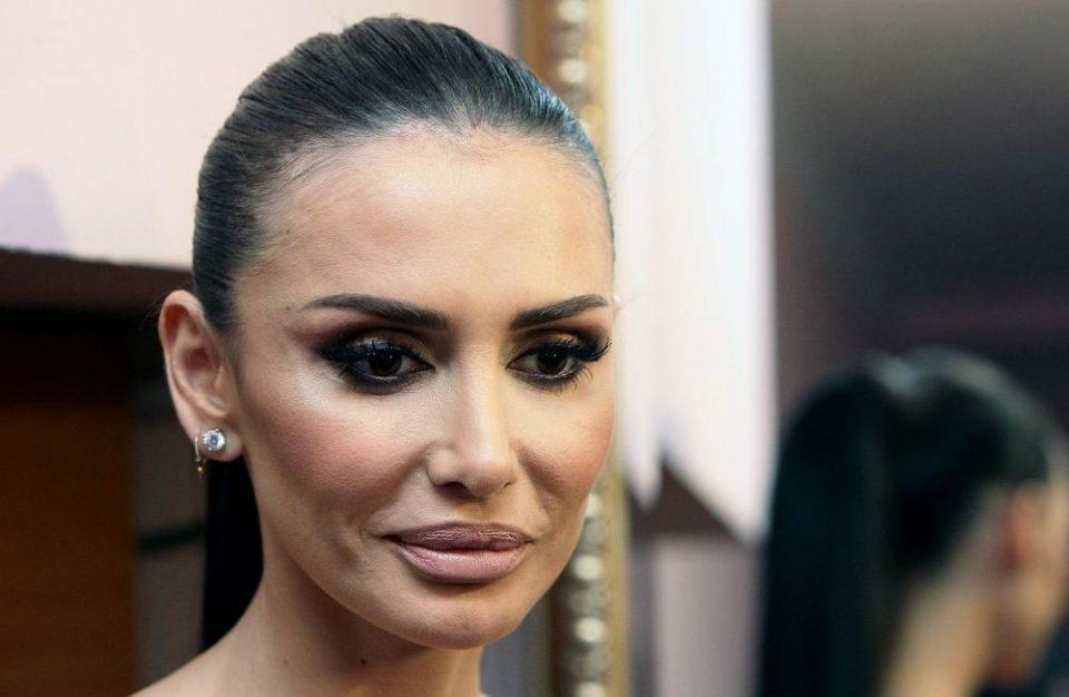 """""""Многу плачев"""": Емина Јаховиќ откри детали за разводот со Мустафа Сандал"""