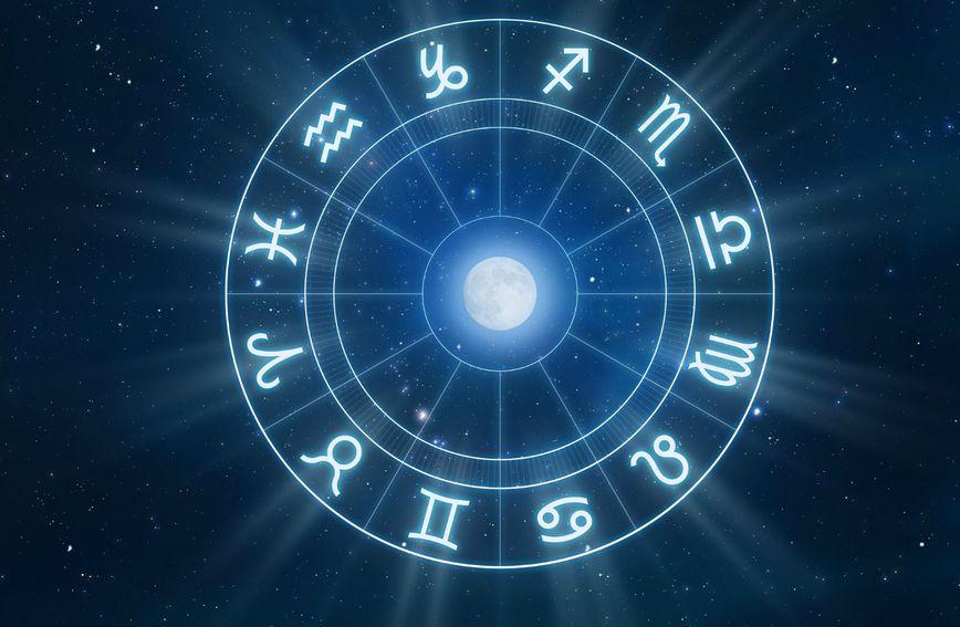 Овие хороскопски знаци можат да очекуваат голема љубов оваа зима