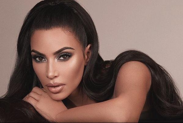 """Ким Кардашијан во своето шоу призна: """"Се омажив се под дејство на екстази"""" (ФОТО)"""