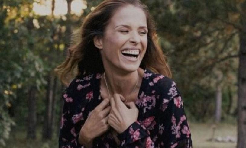 Во храбро издание како светски модел: Каролина ја скрати косата и позираше без градник (фото)