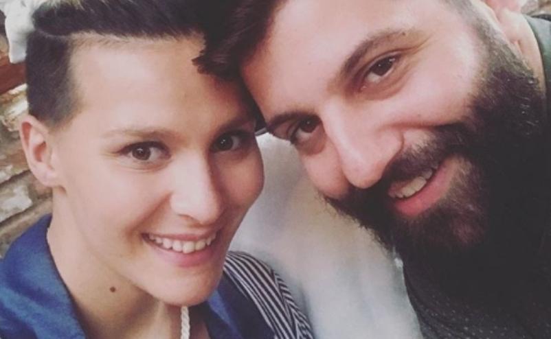 Сара Мејс и Димитар покажаа како ја интензивираат возбудата во бракот (фото)