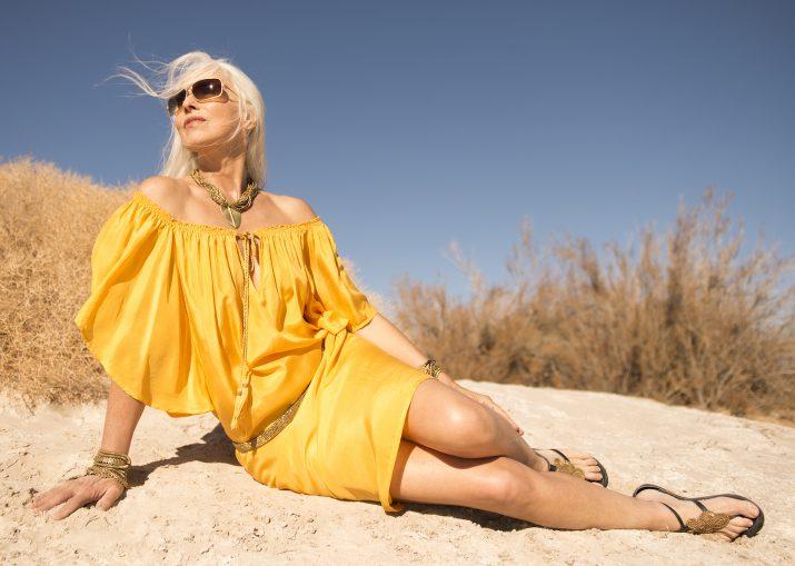 Вака изгледа 61-годишна манекенка која рекламира долна облека (фото)