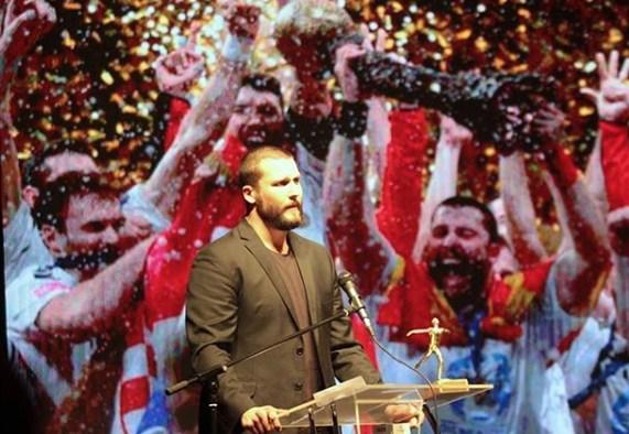 """Столе Стоилов демонстративно ја напушти манифестацијата """"Спортист на годината"""" (ВИДЕО)"""