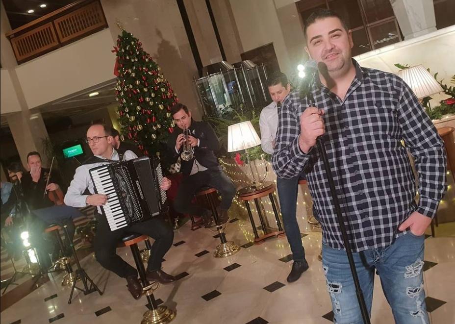 """Живко Динев преработи 15 музички бисери: Со првиот од нив, """"Злато си ми ти"""" ќе ви ја """"позлати"""" 2019 (ВИДЕО)"""