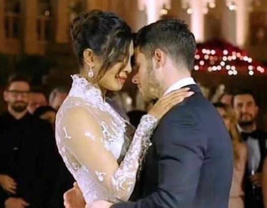 Нивната венчавка ја следеше цел свет, а сега се на мета на критики поради еден детал од свадбата